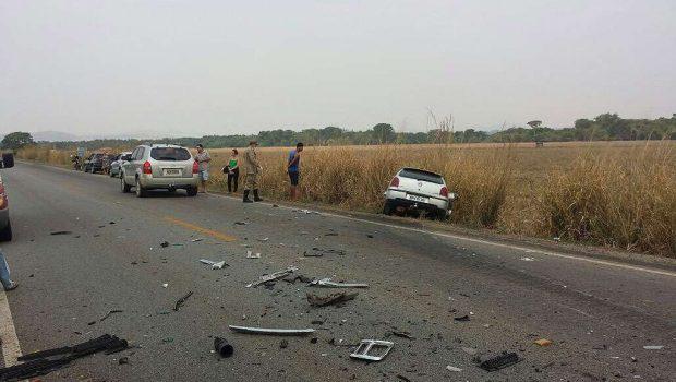 Uma pessoa morreu e duas ficaram feridas em acidente na GO-050