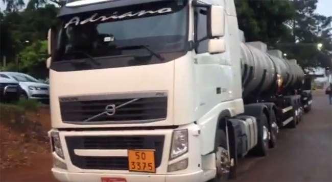 Caminhão com carga perigosa é apreendido na BR-060, em Anápolis