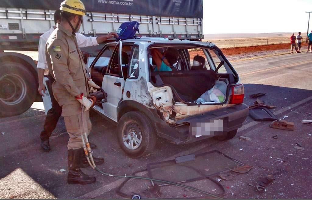 Sete pessoas ficaram feridas em acidente na GO-118