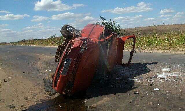 Mulher grávida morre em acidente na BR-414, em Cocalzinho