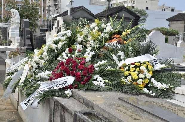 Enterro de Marília Pêra é marcado por comoção e muitos aplausos