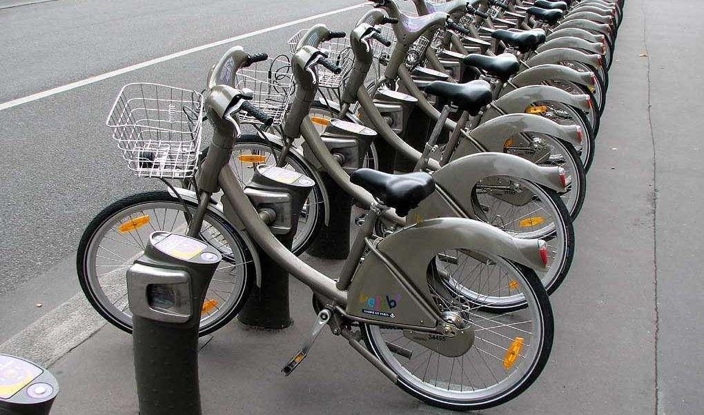 Ativistas apoiam projeto de implantação de bicicletários públicos em Goiânia