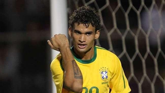 Palmeiras negocia contratação do atacante Willian José