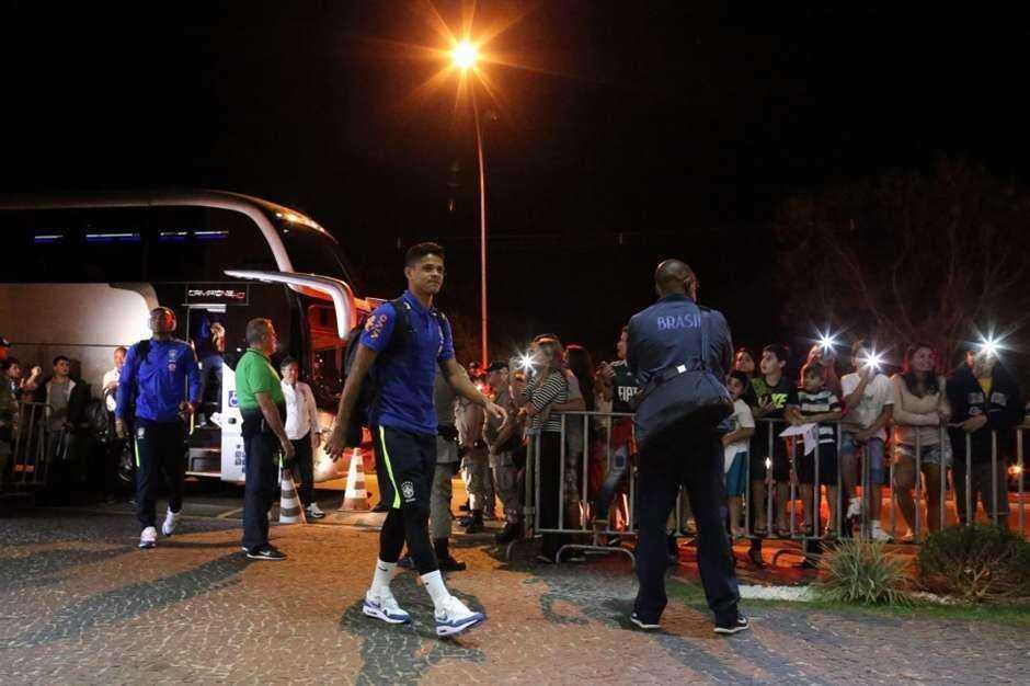 Seleção olímpica do Brasil desembarca em Goiânia