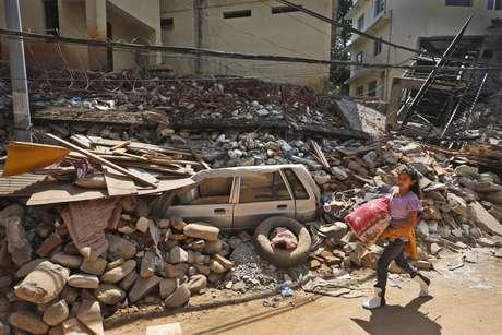 Novo terremoto atinge o Nepal e provoca mortes