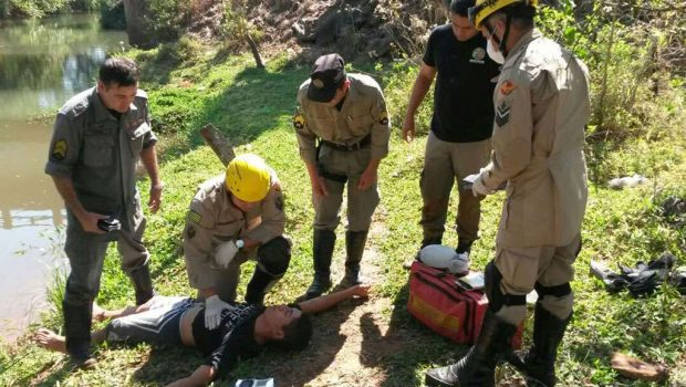 Policiais militares salvam homem que se afogava no Rio João Leite