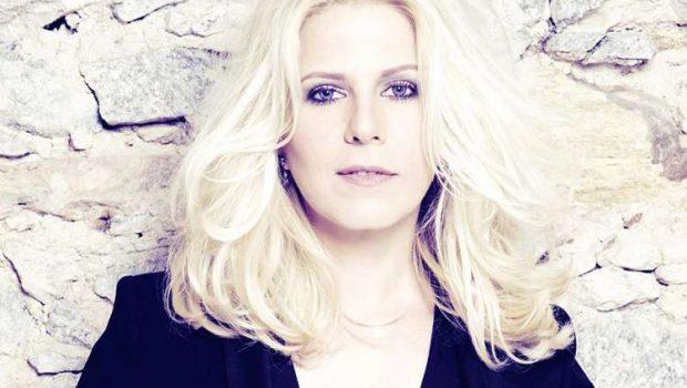 Paula Toller se reinventa em novo disco solo