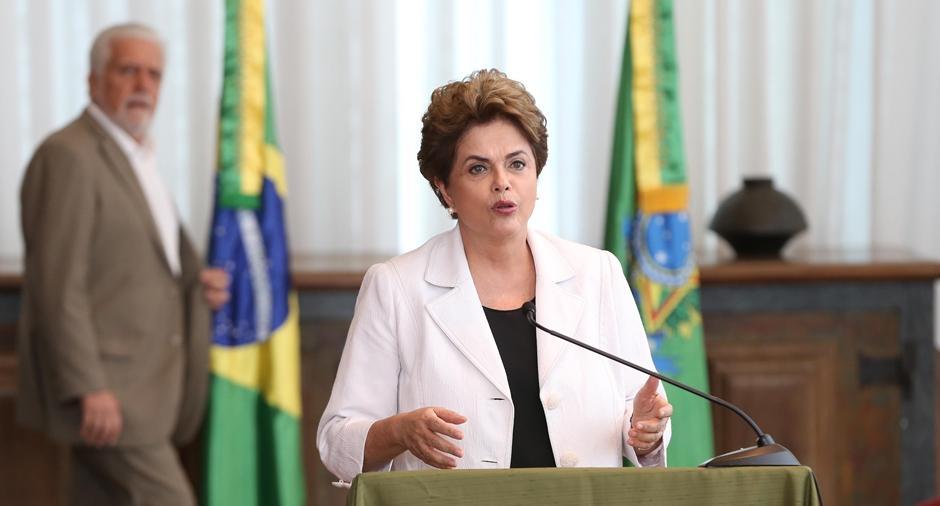 Em carta ao Senado e ao País, Dilma diz que dará apoio irrestrito a plebiscito