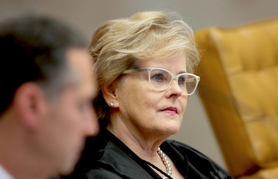 Rosa Weber nega 4 liminares para suspender Dilma de exercício de funções públicas