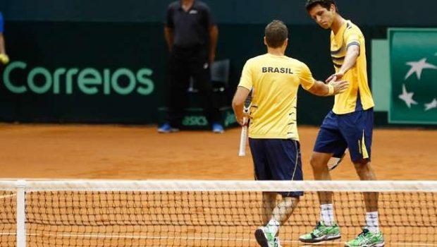 Brasil vence nas duplas e fica na frente da Espanha