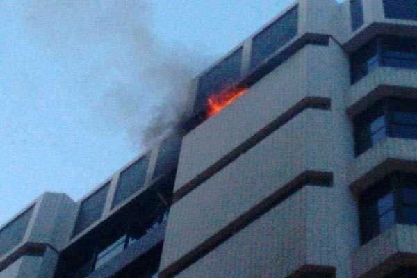 Incêndio atinge edifício do comitê de Dilma
