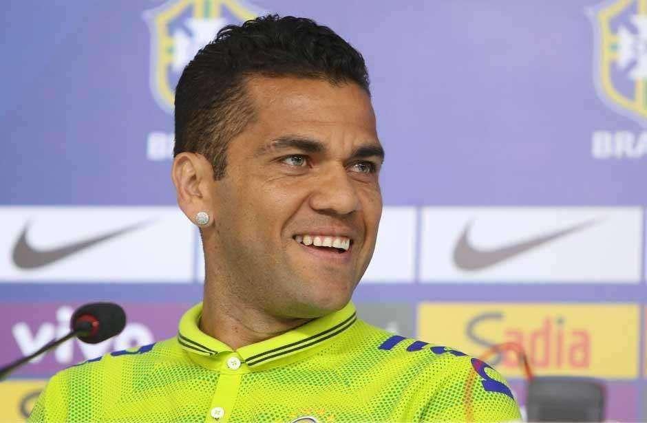 Após deixar o Barça, Daniel Alves se diz 'a ponto de fechar' com a Juventus
