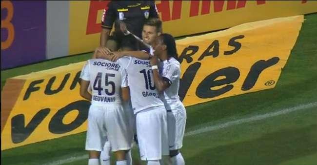 Goiás perde a segunda seguida e cai para o Santos