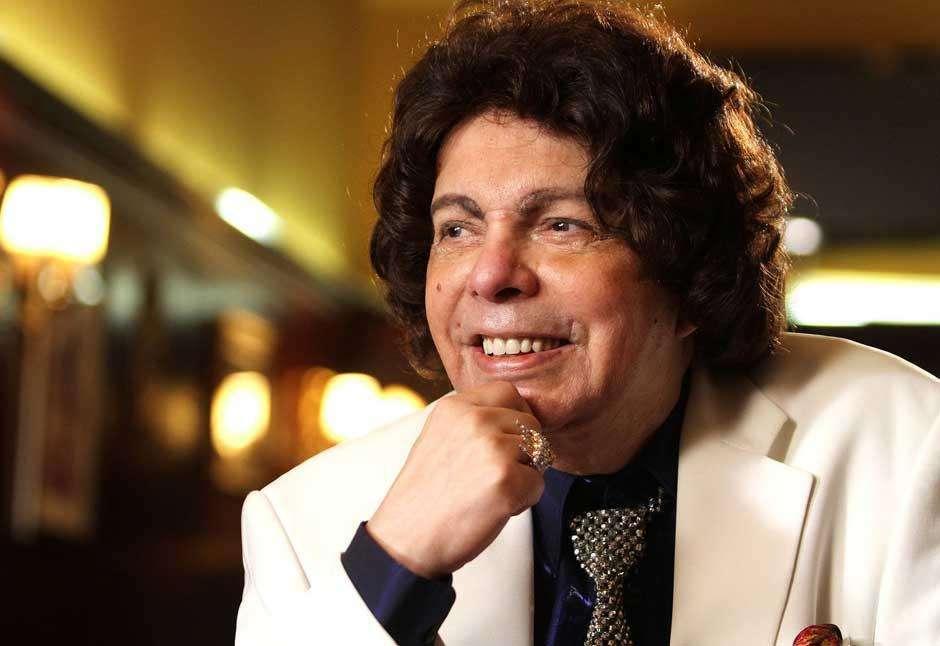 Morre, aos 85 anos, o cantor Cauby Peixoto