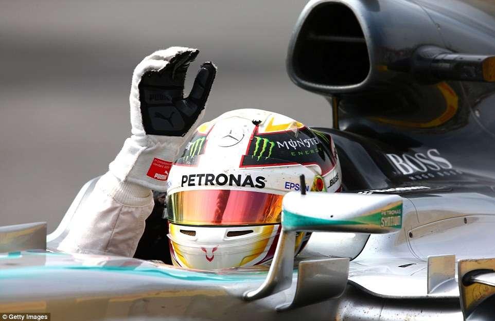 Hamilton vence no Canadá e segue na liderança do campeonato