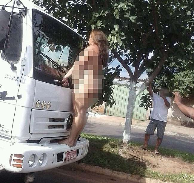 Mulher é flagrada andando nua pelas ruas de Goiânia