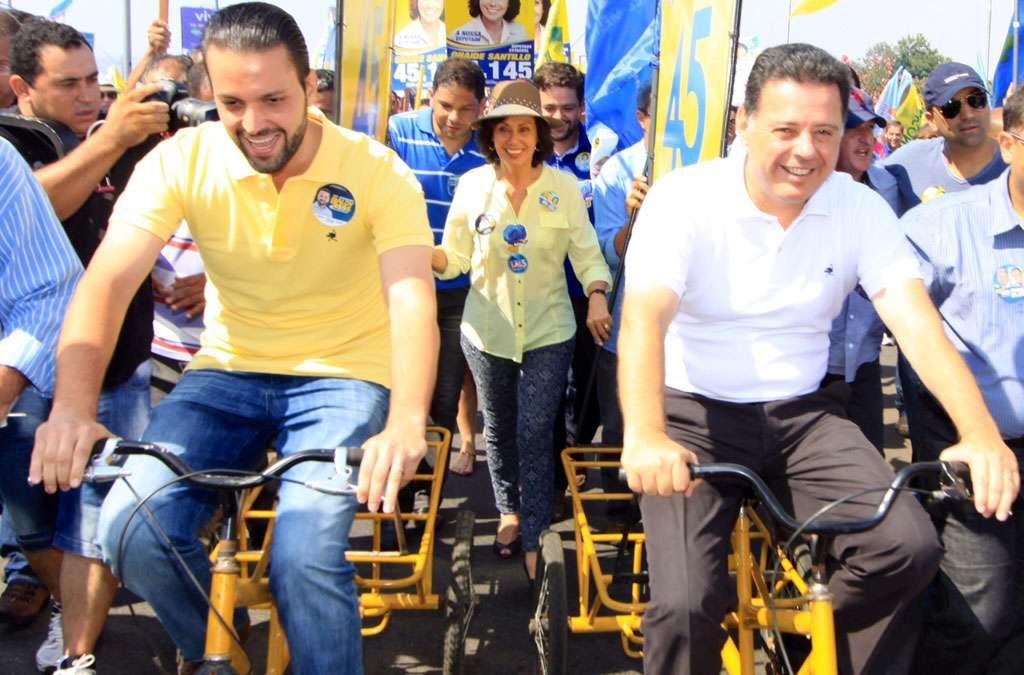 Duas mil pessoas acompanham Marconi Perillo em caminhada e pedalada em Anápolis