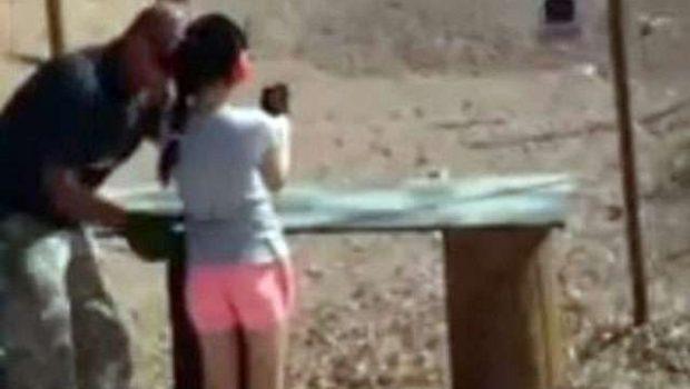 Menina de 9 anos mata instrutor de tiro por acidente