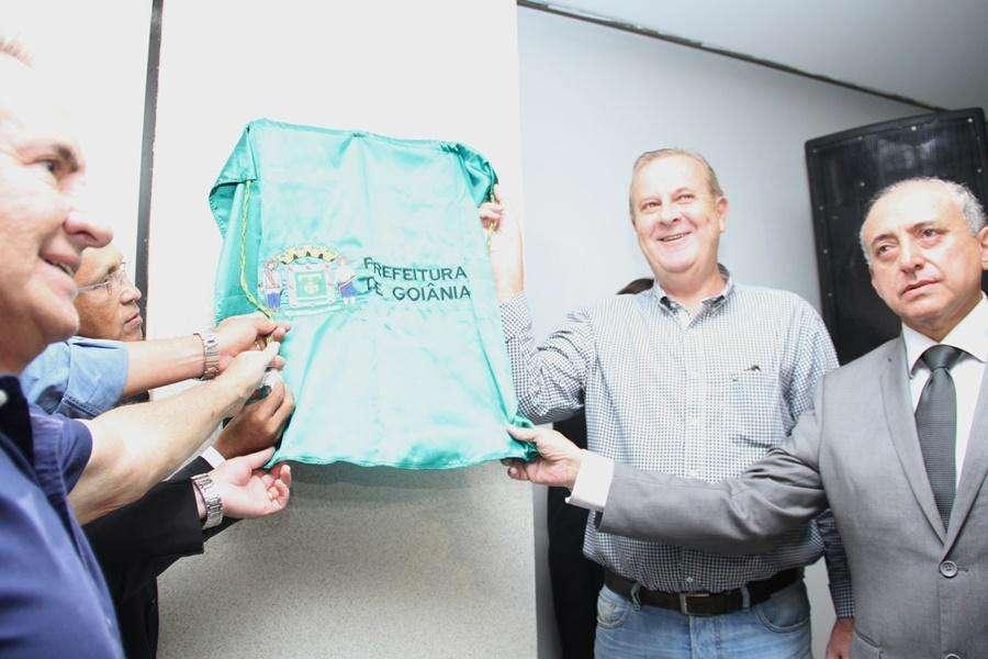 Paulo Garcia inaugura 1ª central de relacionamento da prefeitura