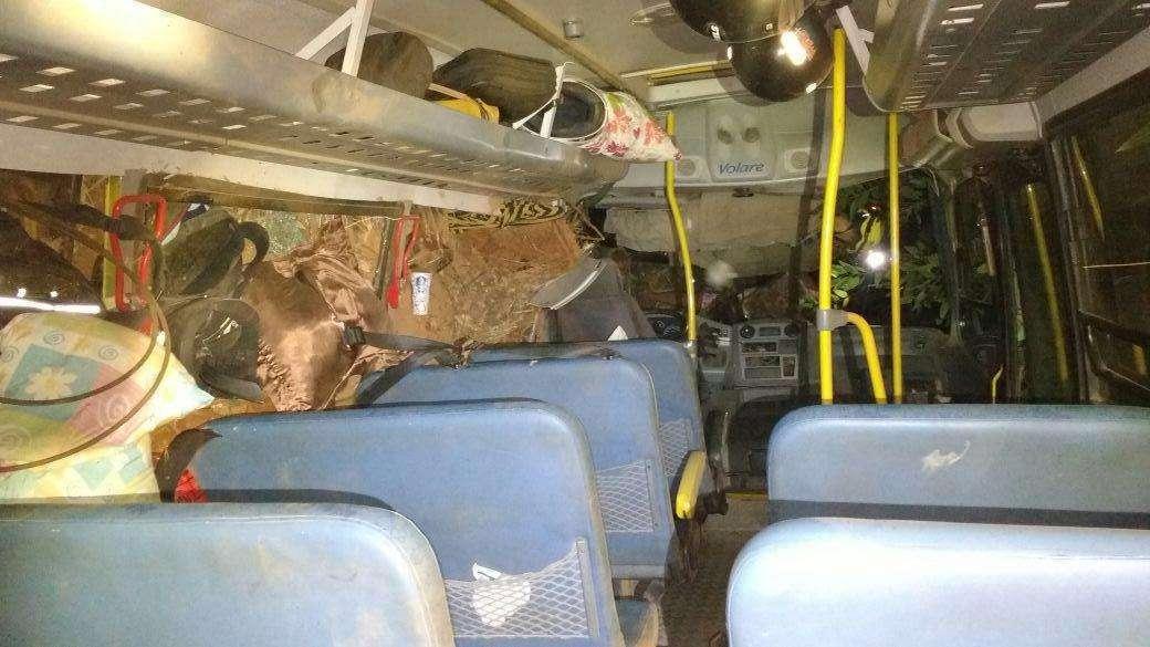 Acidente com ônibus escolar deixa um morto na GO-334