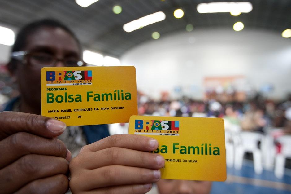 Mais de 80% dos beneficiários do Bolsa Família em Goiânia precisam atualizar cadastro