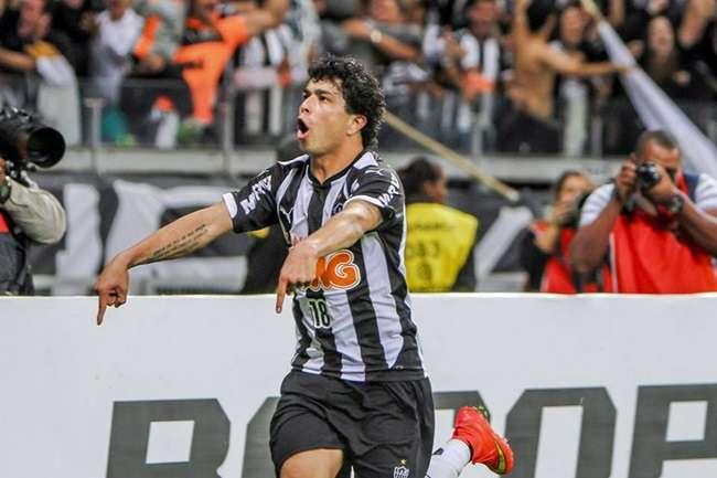 Atlético-MG ganha outra do Palmeiras e garante vaga