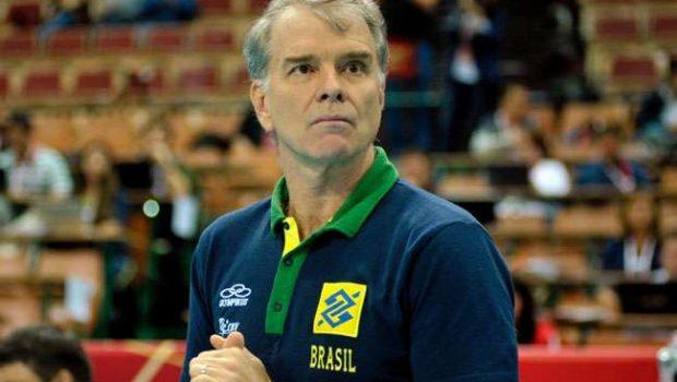 Bernardinho diz que punição da FIVB foi 'retaliação'