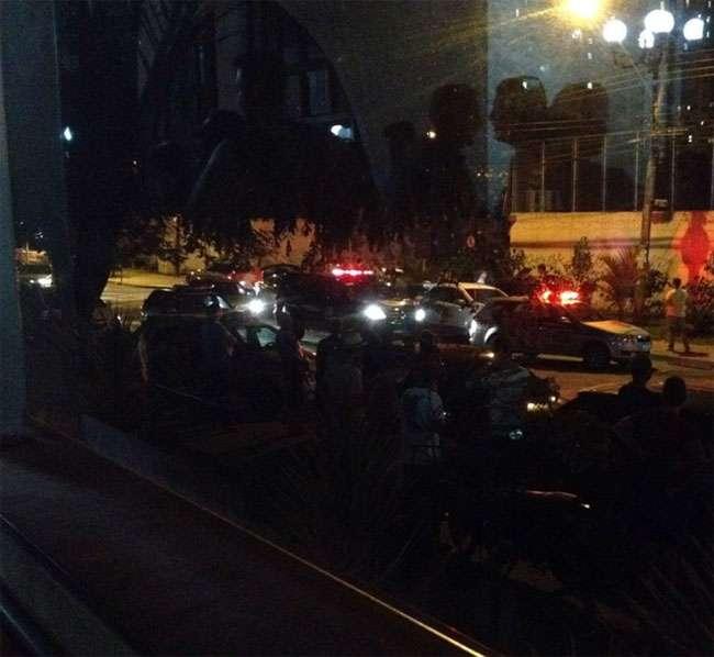 Tiroteio entre policial civil e bandidos assusta moradores da T-13, no Setor Bueno