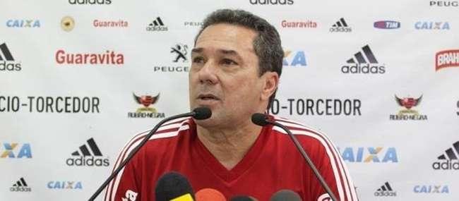 Luxemburgo diz que foco do Flamengo é o Brasileirão