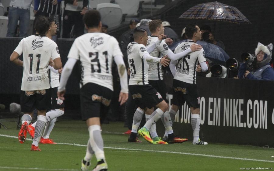 Jogadores isentam ex-técnico por má fase do Corinthians