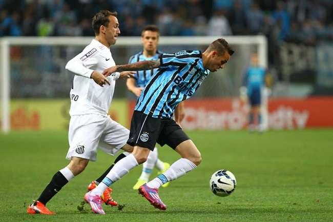 Santos vence Grêmio fora e sai em vantagem nas oitavas