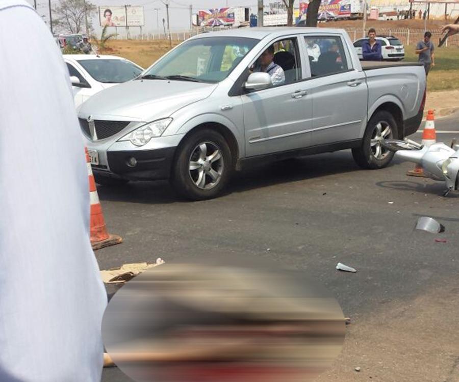 Mulher morre após colidir com caminhão na Perimetral Norte