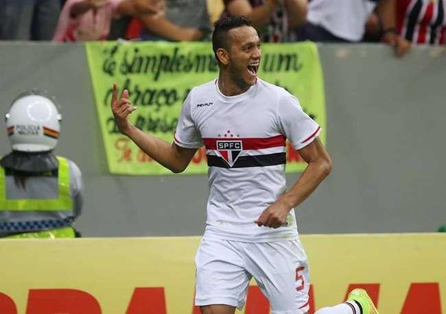 Ramires é cortado e Dunga chama Souza, do São Paulo