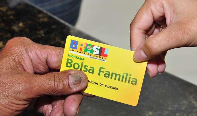 MPF investiga legalidade do Bolsa Família de 6,5 mil servidores de Goiás
