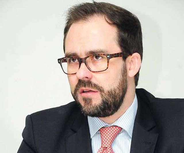 Lúcio Flávio amplia liderança na corrida sucessória da OAB
