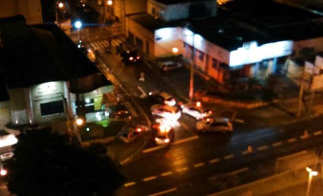Após perseguição, quatro homens são presos pela polícia no centro de Goiânia