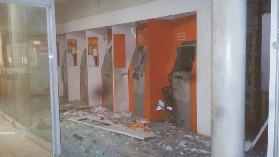 Bandidos explodem agência bancária em Aparecida de Goiânia