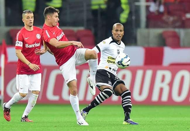 Vasco elimina Ponte Preta. Inter tropeça em casa contra Ceará