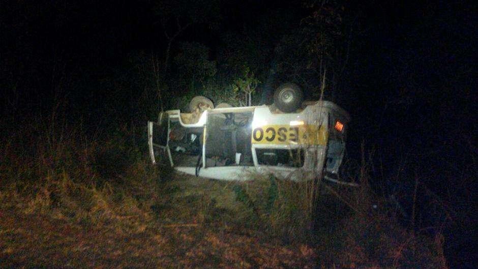 Dez pessoas ficam feridas em acidente na BR-050, em Campo Alegre