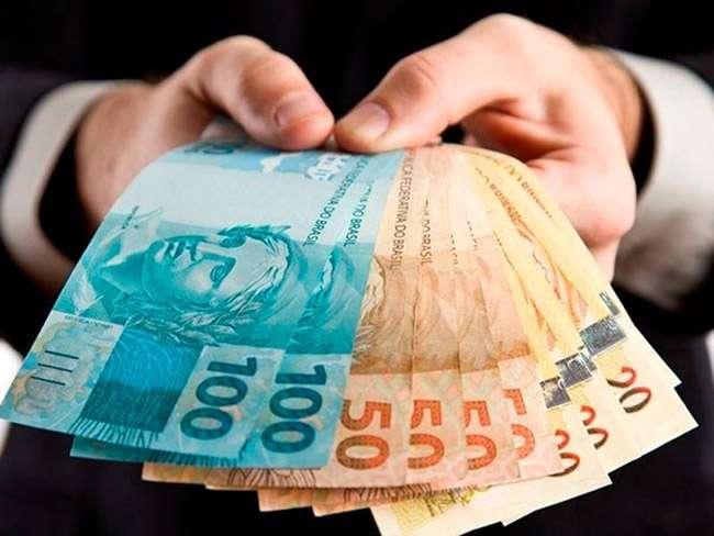 Procon Goiás alerta sobre empréstimos