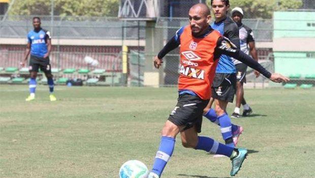 Joel escala Vasco com quatro mudanças no time titular