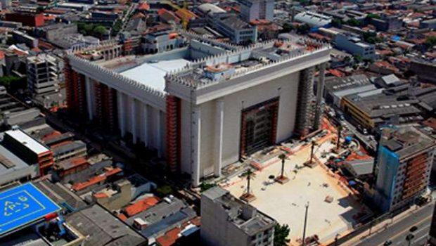 Inauguração de templo da Universal tem cortes de energia