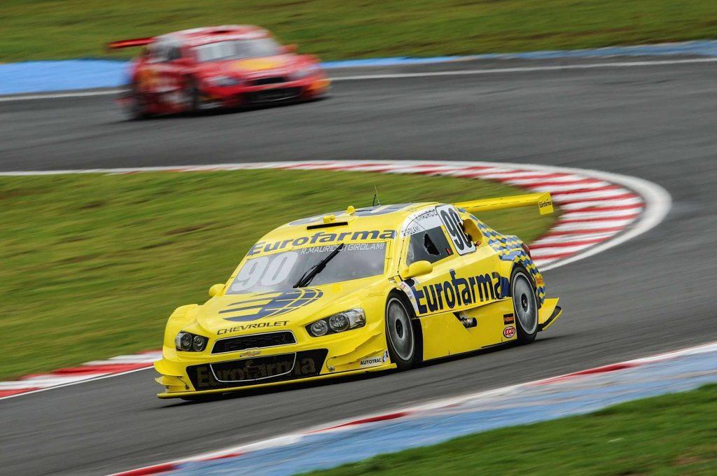 Ricardo Maurício e Néstor Girolami vencem a prova de duplas da Stock Car em Goiânia