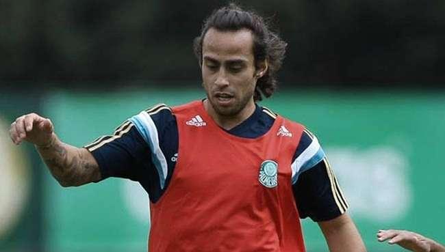 Deola ganha vaga de Fábio e deve atuar no Palmeiras