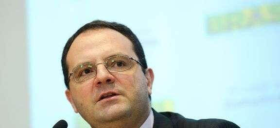 Compromisso com ajuste fiscal está mantido, diz novo ministro a investidores
