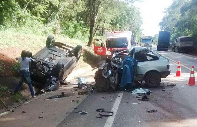 Acidente na BR-050 deixa duas pessoas mortas