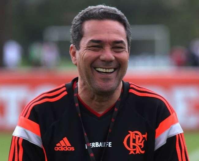 Luxemburgo pede cautela após Flamengo sair da degola
