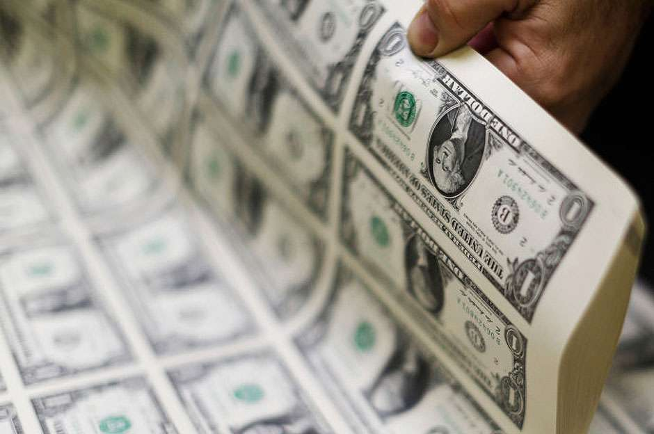Dólar cai 3% na semana e fecha no menor nível em sete meses