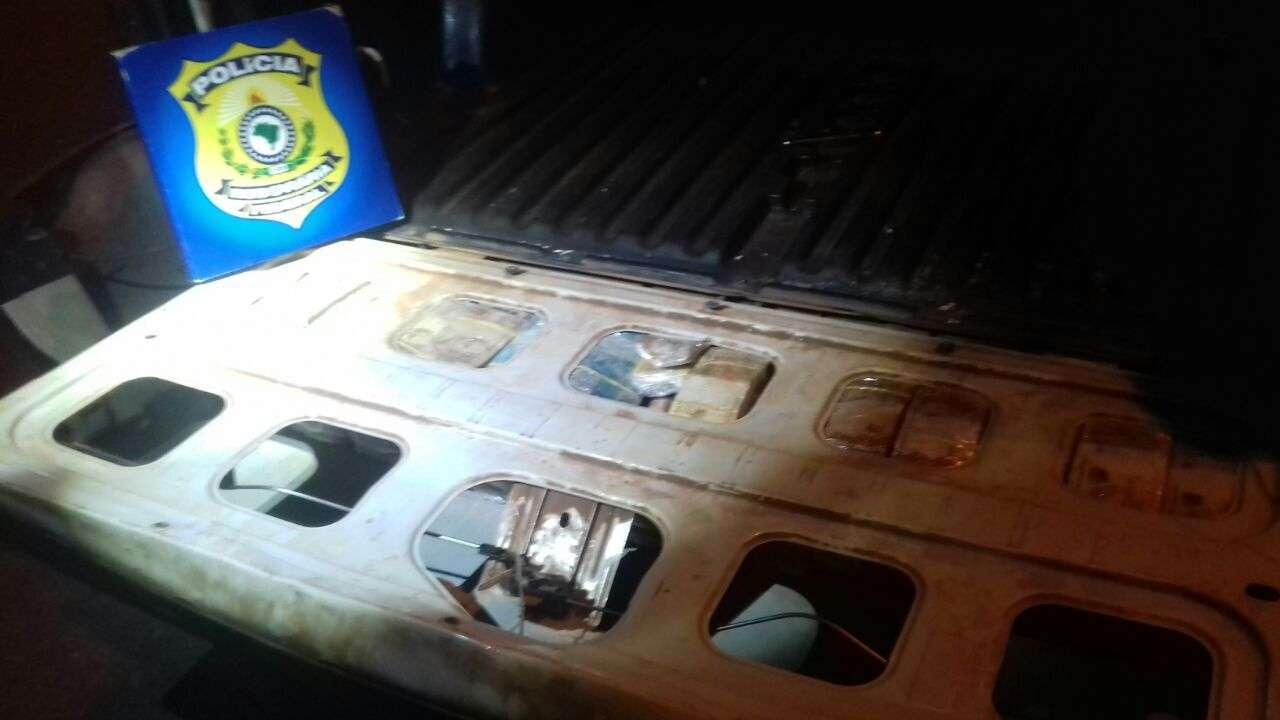 PRF apreende R$ 460 mil escondidos em fundo falso de veículo, em Uruaçu