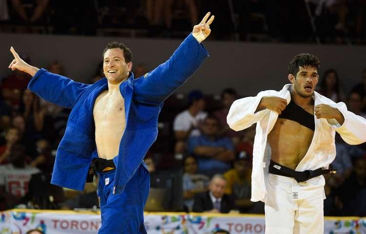 Tiago Camilo supera cubano e é tri no judô